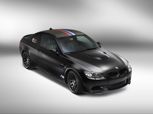 2013-bmw-m3-dtm-champion-edition-studio-4-1280x960