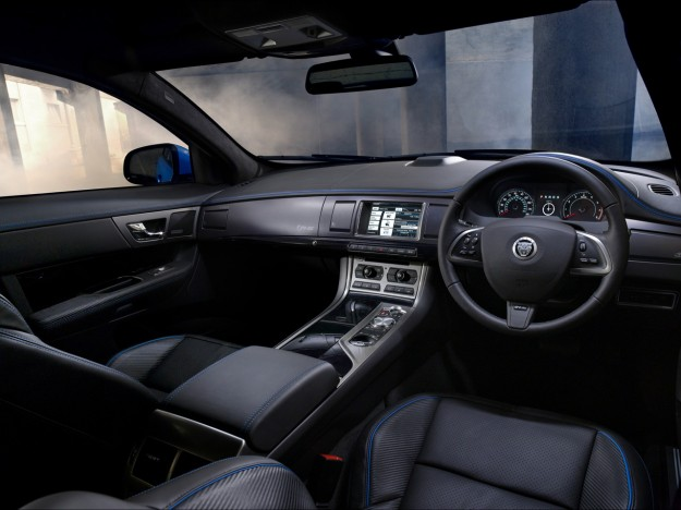 2013-jaguar-xfr-s-dashboard-1280x960