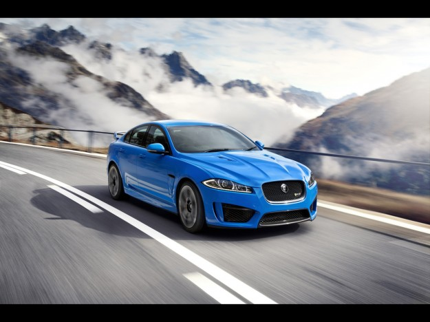 2013-jaguar-xfr-s-motion-1-1280x960