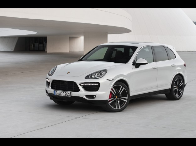 2013-porsche-cayenne-turbo-s-static-1-1280x960