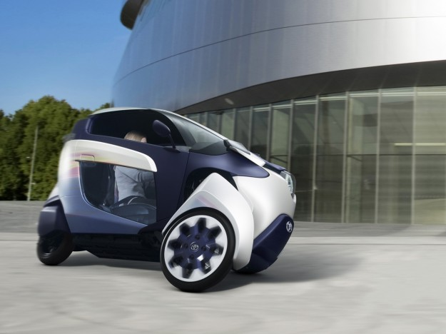 2013-toyota-i-road-concept-motion-2-1280x960