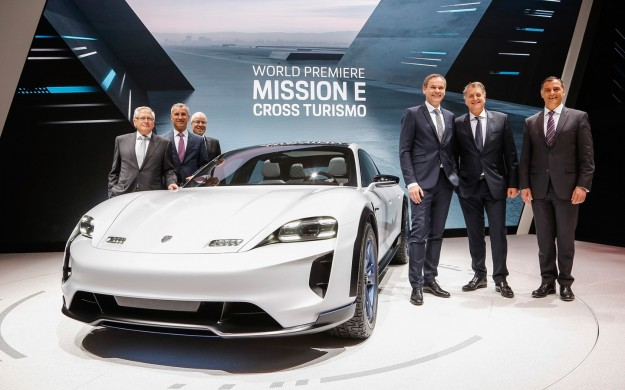 2018-Porsche-Mission-E-Cross-Turismo-Debut-6-1440x900